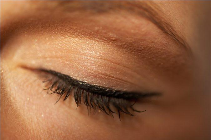 göz kapağı şişmesi hangi hastalıklara işaret